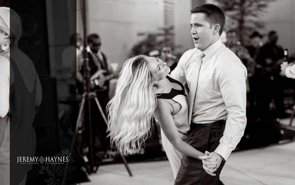 43 Indianapolis Art Center Indianapolis, IN Wedding Dance Photos.jpg