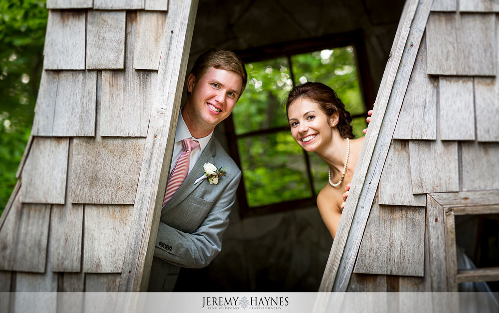 53 Indianapolis Art Center Indianapolis, IN Romantic Wedding Couple Photos.jpg