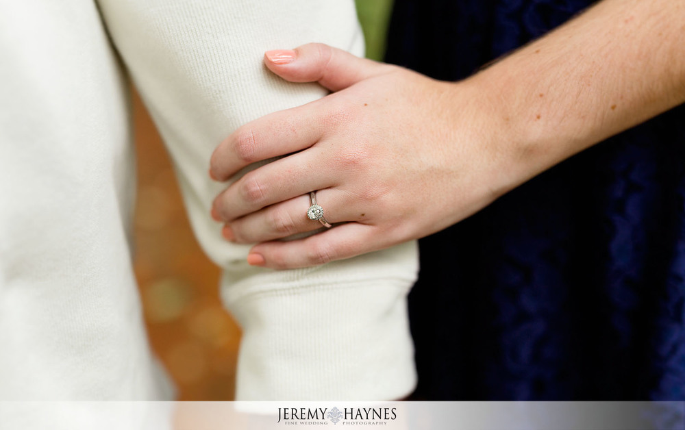 04-indiana-university-campus-dunn's-woods-bloomington-engagement-ring-photos.jpg