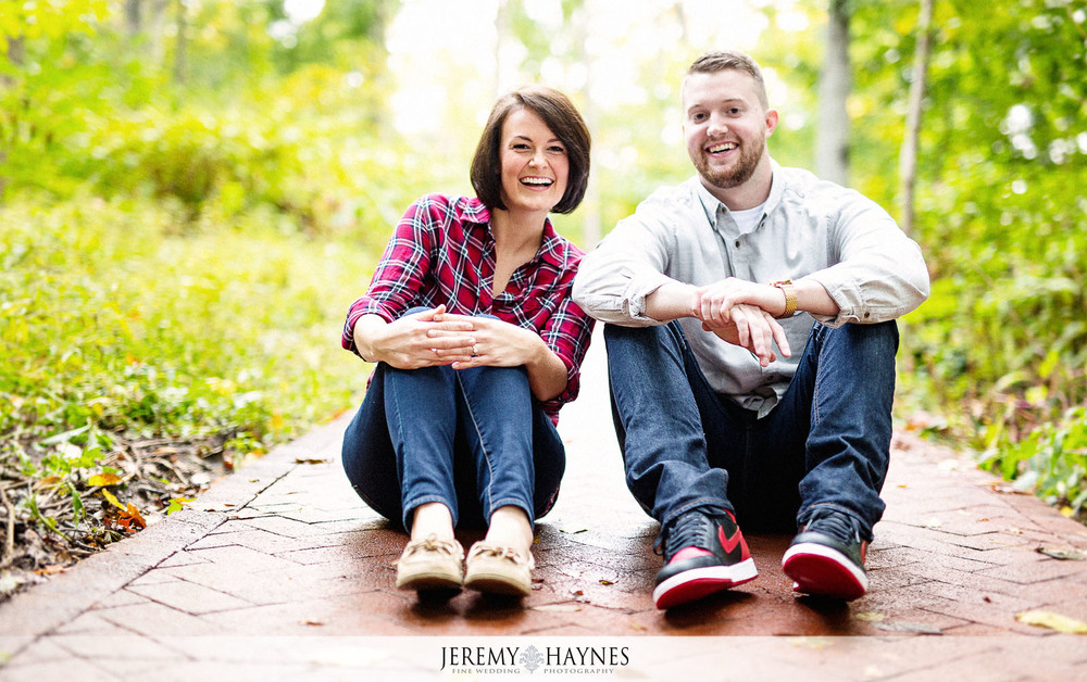 05-indiana-university-campus-dunns-woods-bloomington-engagement-photography-ideas.jpg