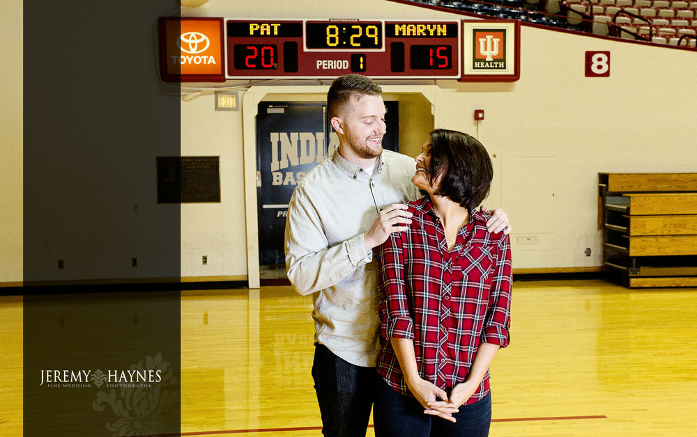 10-indiana-university-assembly-hall-engagement-photos.jpg
