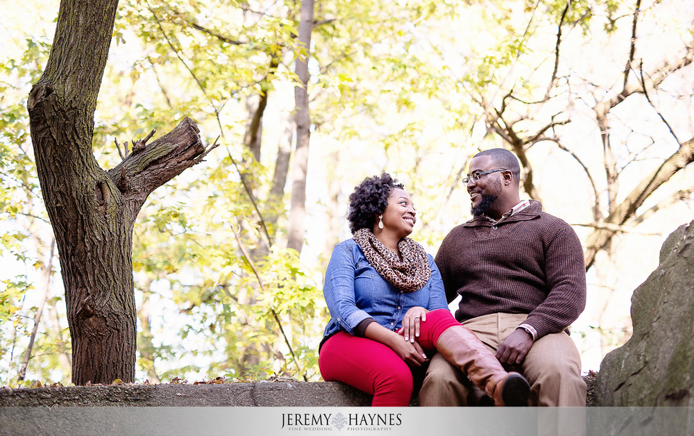 04-white-river-gardens-downtown-indiana-central-canal-indianapolis-engagement-photographers.jpg