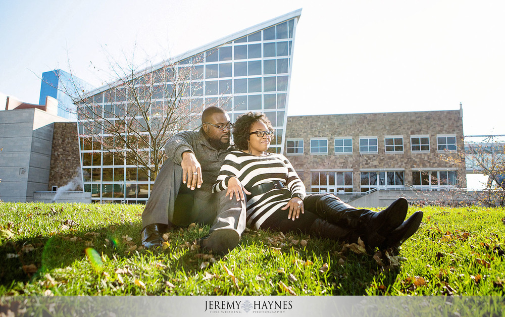 10-white-river-gardens-downtown-indiana-central-canal-indianapolis-engagement-photography.jpg