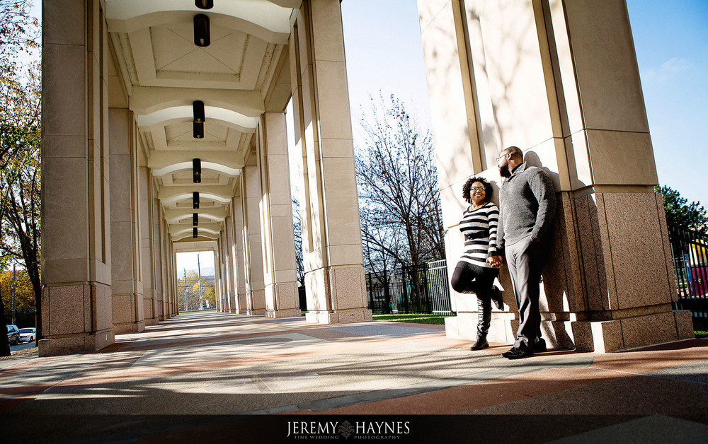 14-white-river-gardens-downtown-indiana-central-canal-indianapolis-engagement-photography.jpg