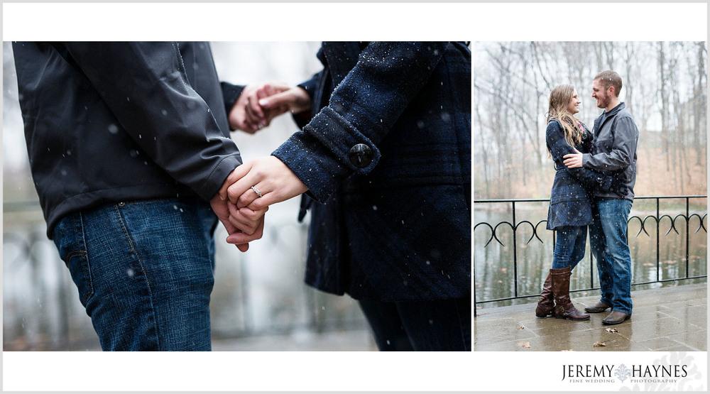 07-butler-university-holcomb-gardens-memorial-carillon-indianapolis-engagement-photographer.jpg