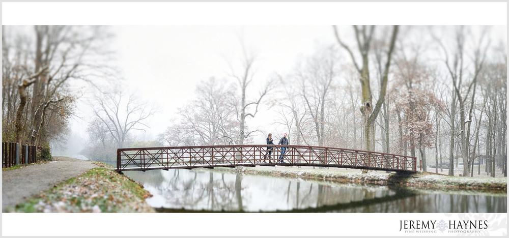 11-butler-university-holcomb-gardens-memorial-carillon-indianapolis-engagement-photographer.jpg