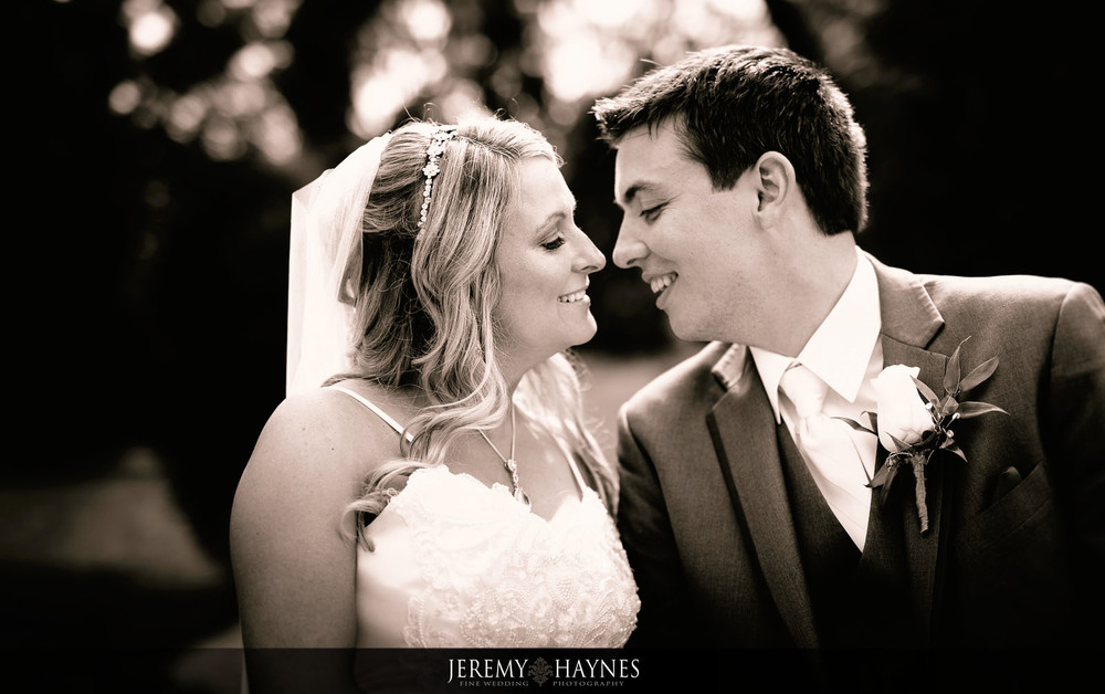 15-plum-creek-golf-club-carmel-wedding-photographers-reception-couple-pictures.jpg