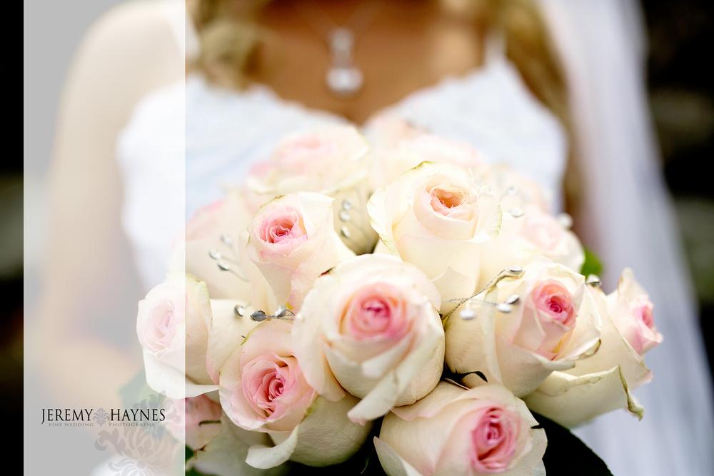 16-plum-creek-golf-club-carmel-wedding-photographers-reception-bride-flowers.jpg