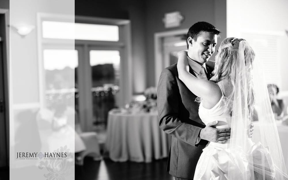 25-plum-creek-golf-club-carmel-wedding-photographers-reception-first-dance.jpg
