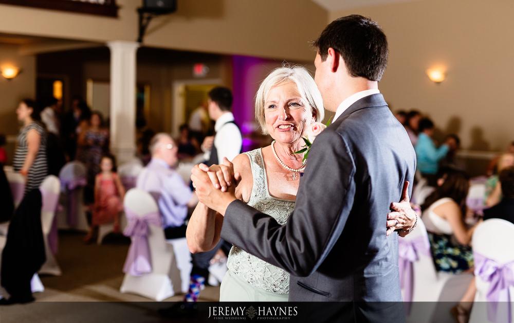 26-plum-creek-golf-club-carmel-wedding-photographers-reception-first-dance.jpg