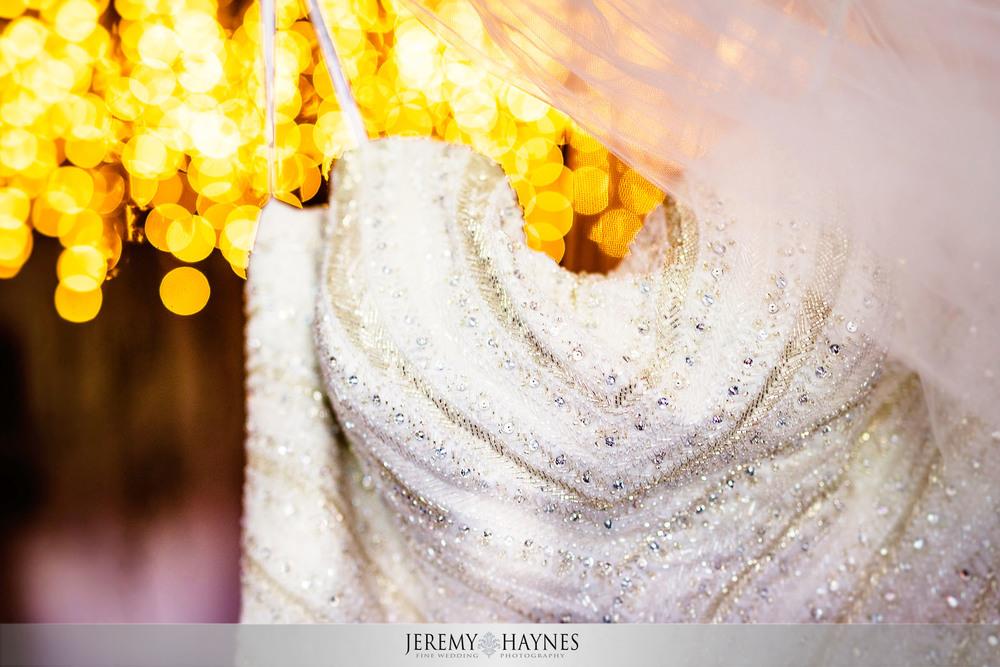 05-diamonds-and-dust-venue-logansport-wedding-photography-bride-dress.jpg