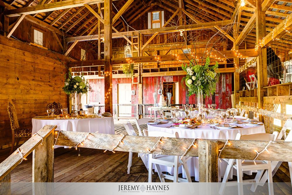 26-diamonds-and-dust-venue-logansport-wedding-photography-reception-venue.jpg