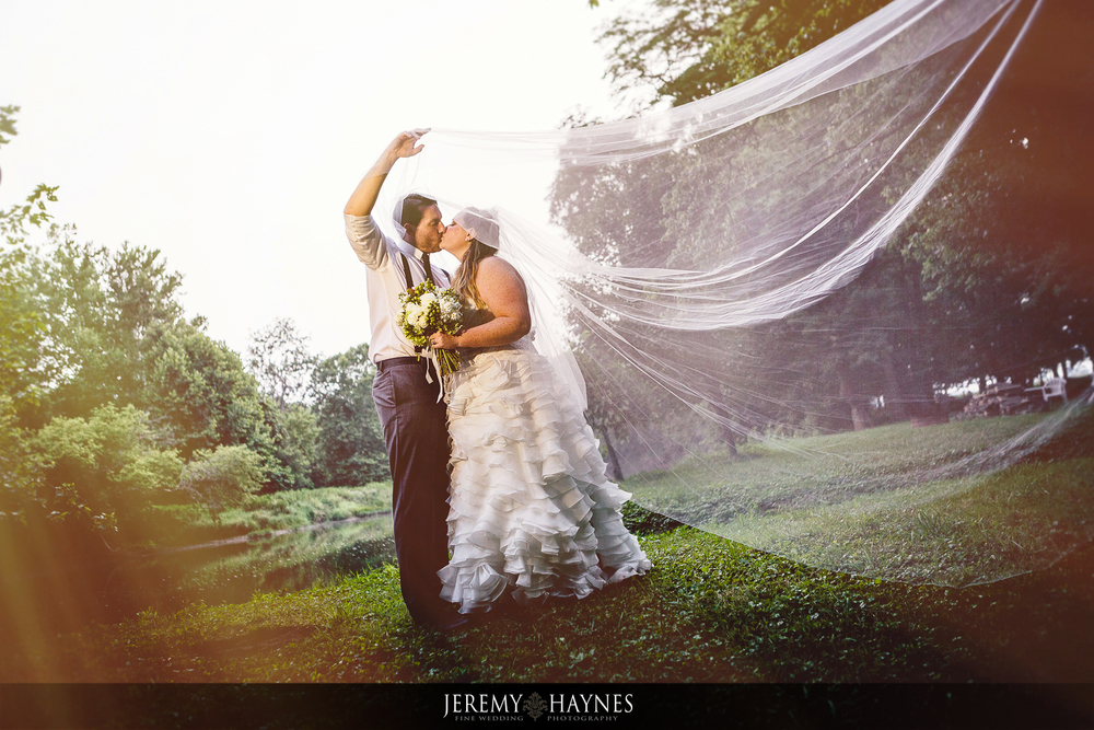 34-diamonds-and-dust-venue-logansport-wedding-photography-bridal-couple-pictures.jpg