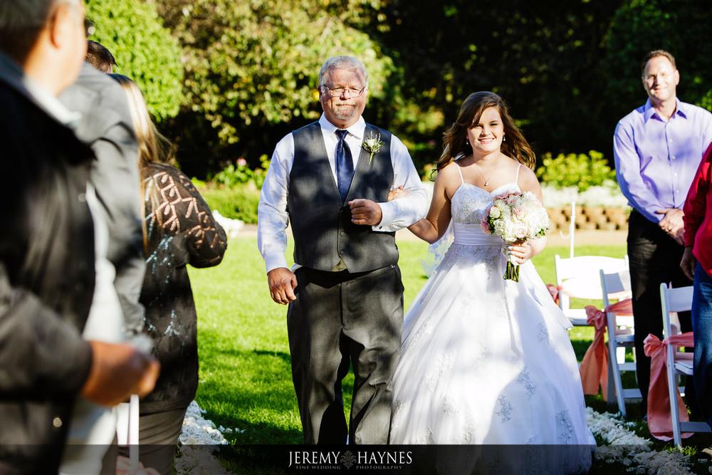 gorgeous-outside-avon-gardens-wedding-wedding-venue-ideas-wedding-ceremony-jeremy-haynes-photography.jpg