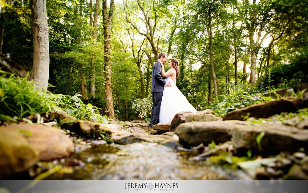 stunning-creative-indianapolis-wedding-photography-avon-gardens-wedding-picture-ideas.jpg