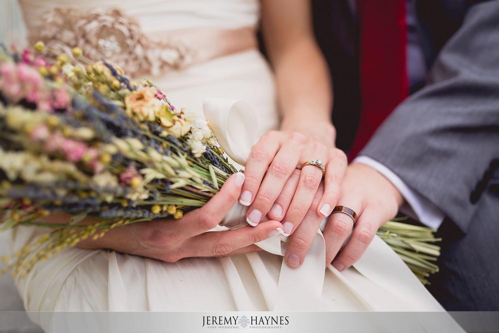 vintage-artistic-wedding-flowers-columbus-wedding-photographers-jeremy-haynes-photography.jpg