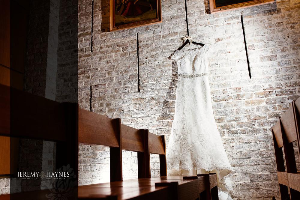 bridal-wedding-dress-st-elizabeth-ann-seton-catholic-church-jeremy-haynes-photography.jpg