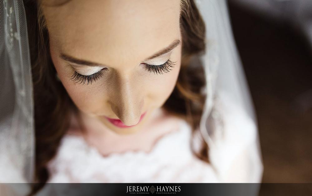 stunning-bridal-preparation-st-elizabeth-ann-seton-catholic-church-jeremy-haynes-photography.jpg