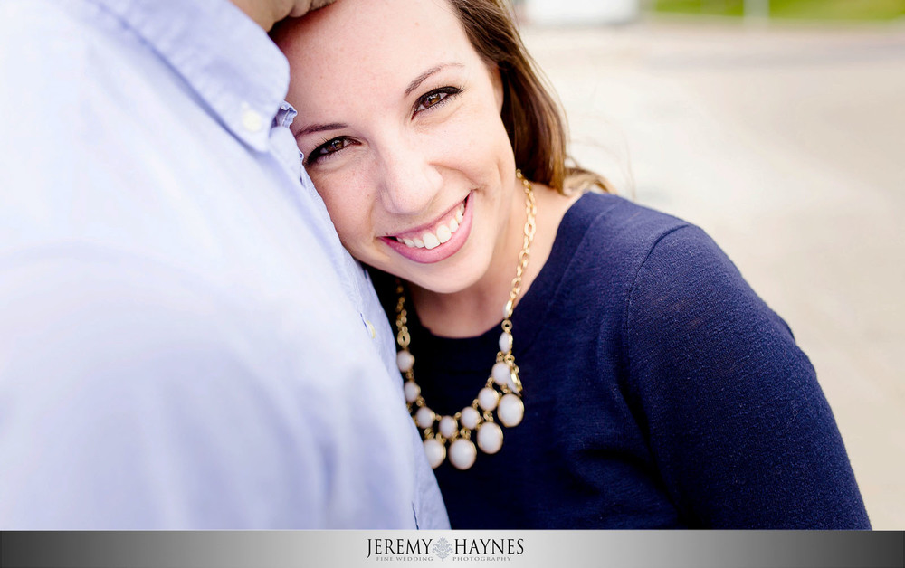 white-river-state-park-indianapolis-engagement-picture.jpg
