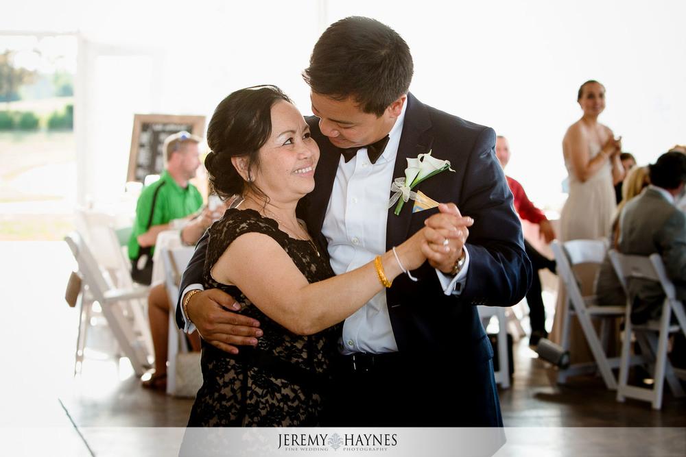 carmel-wedding-father-mother-dance