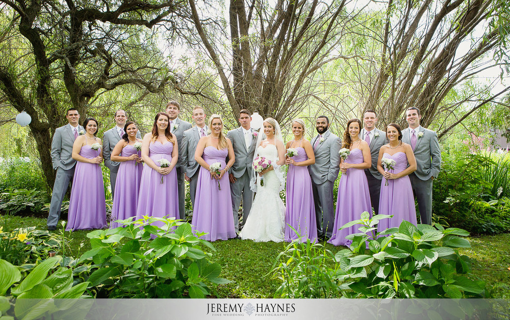 outside-bridal-party-pictures-new-castle