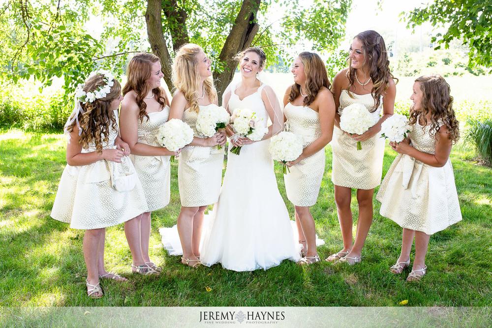 beautiful-mustard-seed-gardens-wedding-party