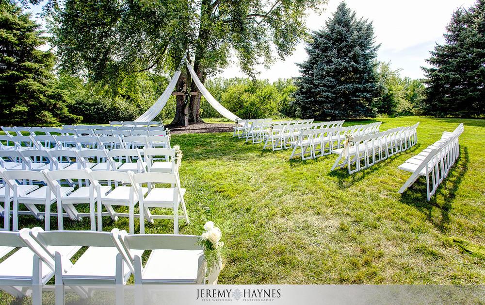 colorful-wedding-ceremony-venue-mustard-seed-gardens
