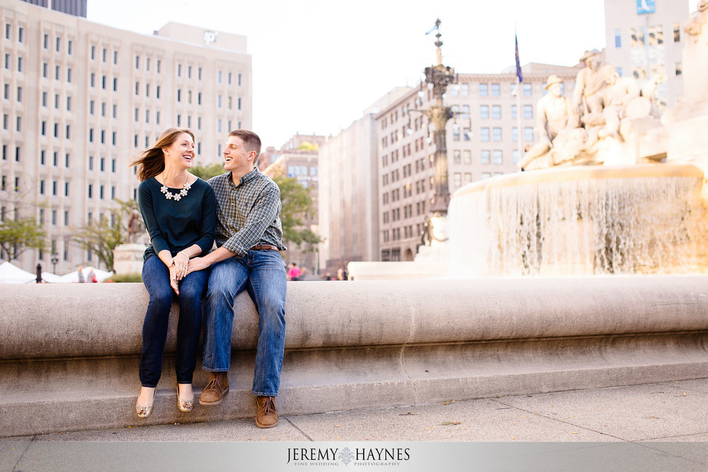 fun-downtown-engagement-pictures