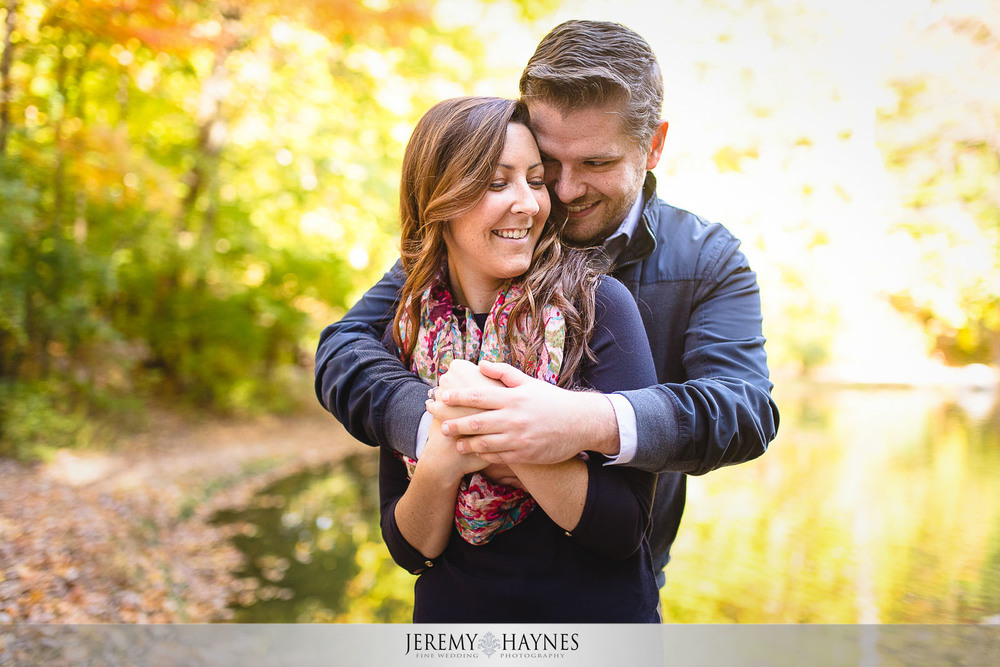cute-holcomb-gardens-engagement-pictures