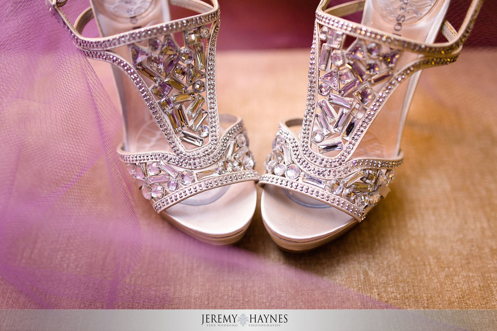 avon-wedding-details-bride-shoes