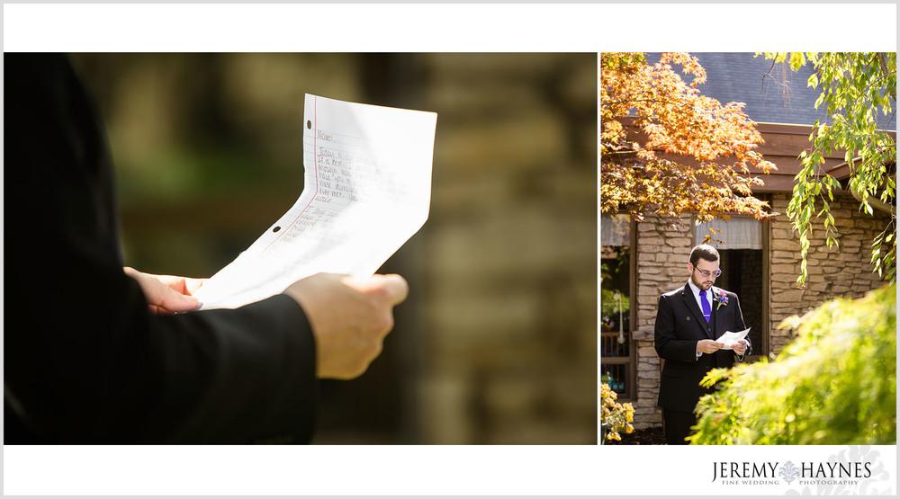 groom-reading-letter-photo