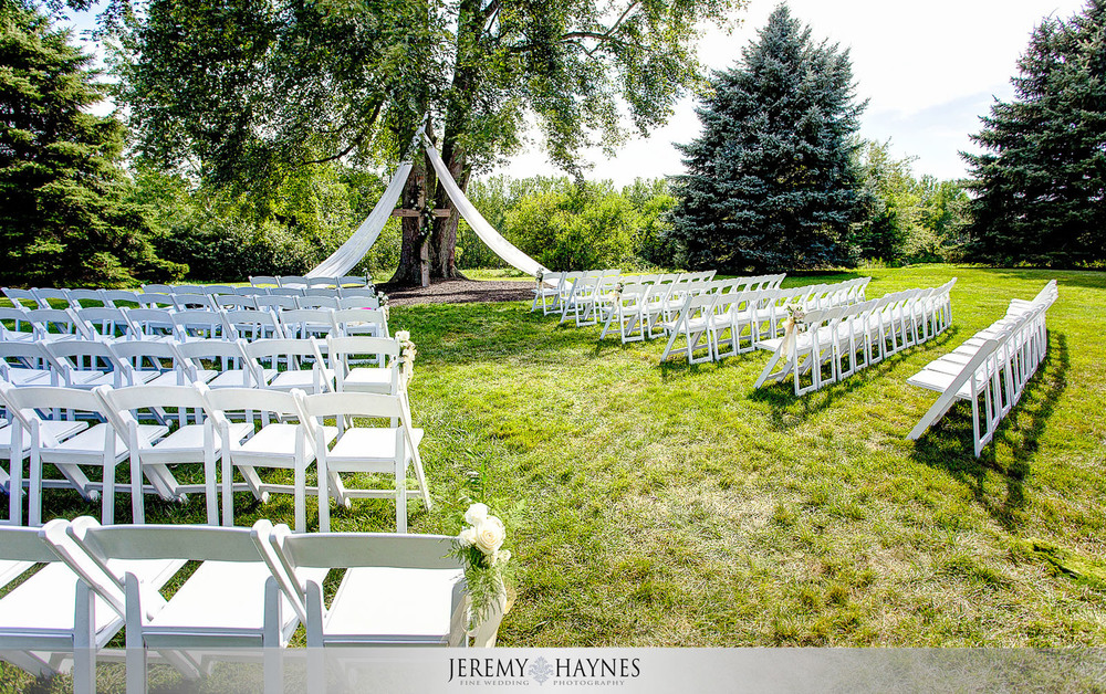 colorful-wedding-ceremony-venue-mustard-seed-gardens.jpg