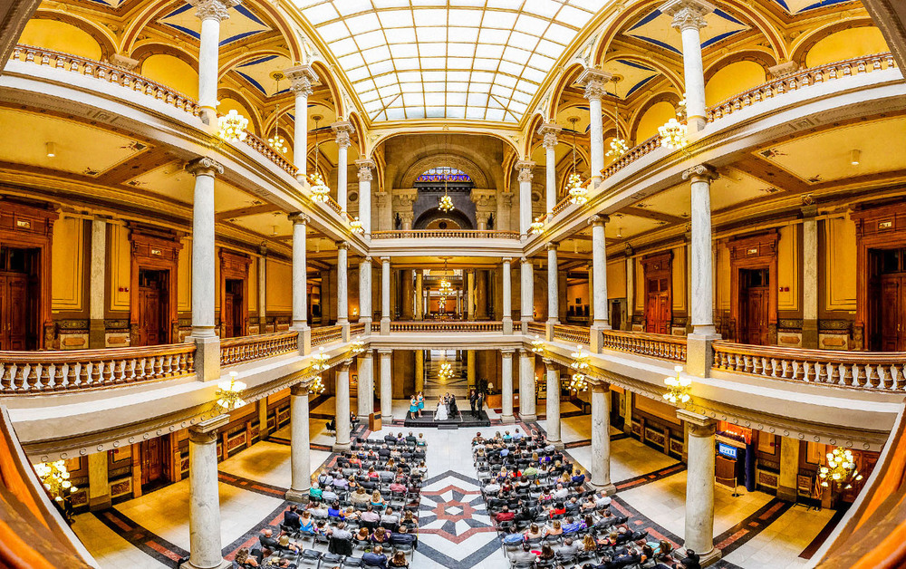 17-State-House-Indianapolis-Wedding-Engagement-Photos.jpg