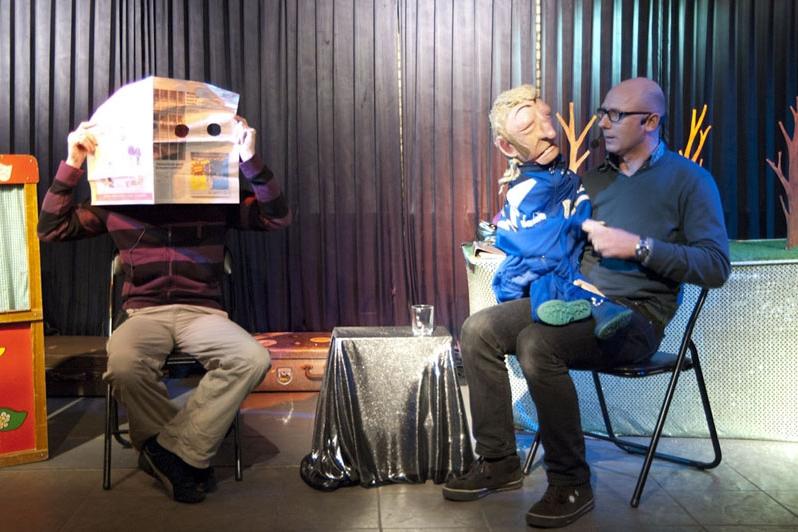 De Eefje Wentelteefje Theater Show In haar talkshow ontvangt Eefje Wentelteefje diverse gasten, o.a. Tjeerd en Lidewij van Poppentejater de Eeuwig Bloeiende en Heerlijk Geurende Waterlelie. Zij zijn de makers van Muisje Pierieliepiepielo. Te zien geweest op o.a. De Parade, Lowlands, Oerol en andere (straat)theaterfestivals. Spel: Jeroen de Leijer en Frans van der Meer.