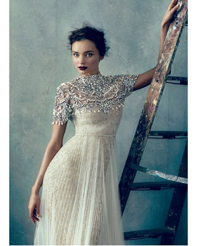 Vakre Miranda Kerr som edgy brud i @marchesafashion for Vouge US 🤘🏻💛