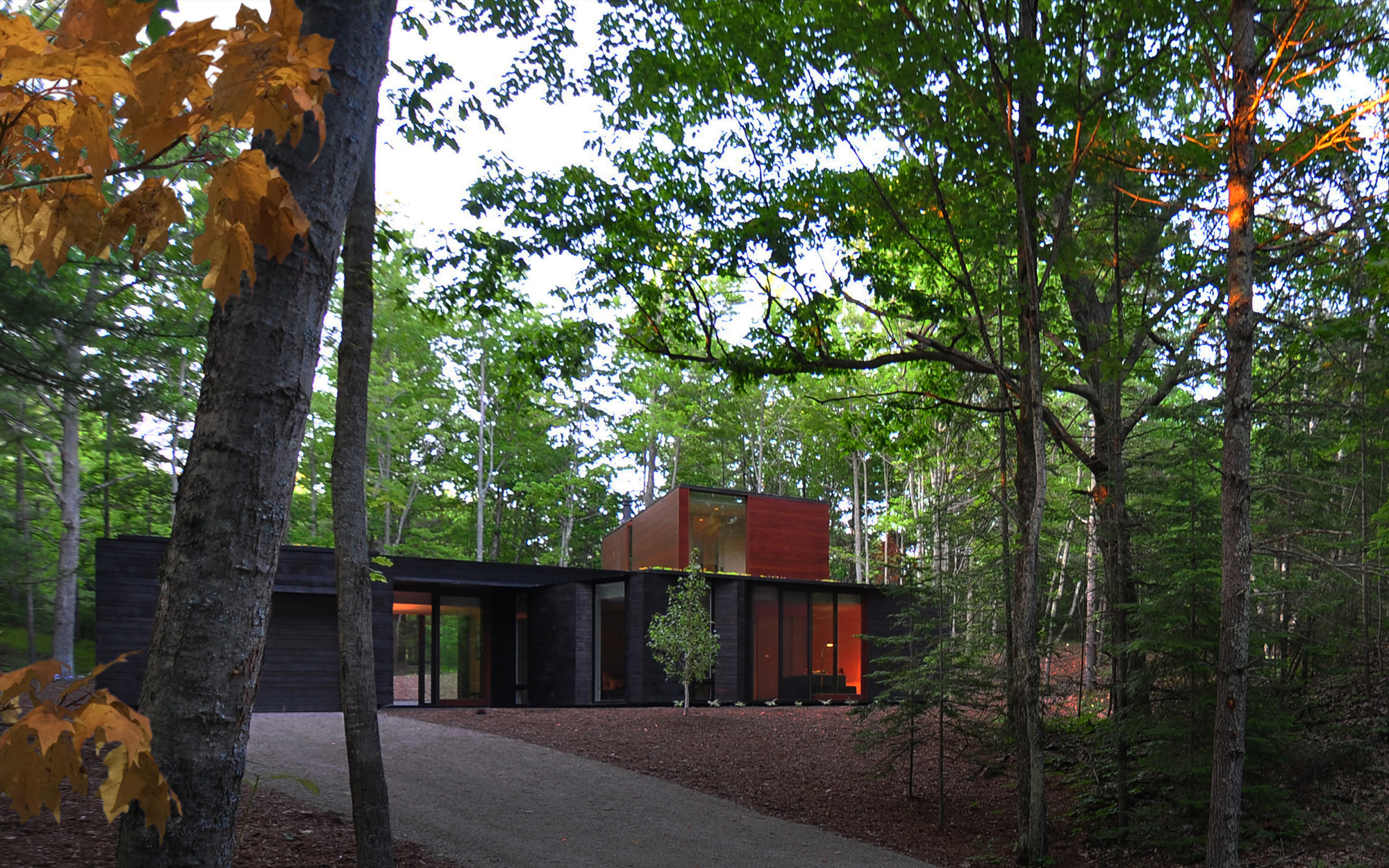 pleated house door county wisconsin johnsen schmaling architects pleated 015 jpg