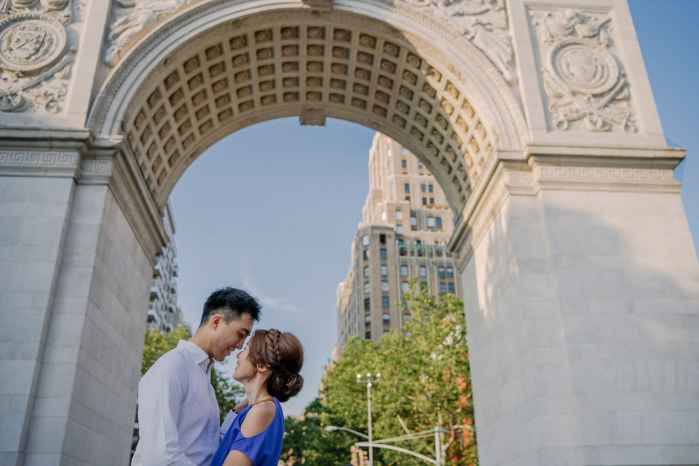 washington-square-park-arch-engagement.jpg