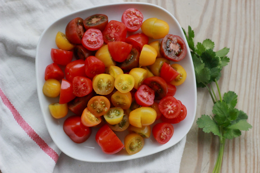 heirloom cherry tomato blend | half galley kitchen