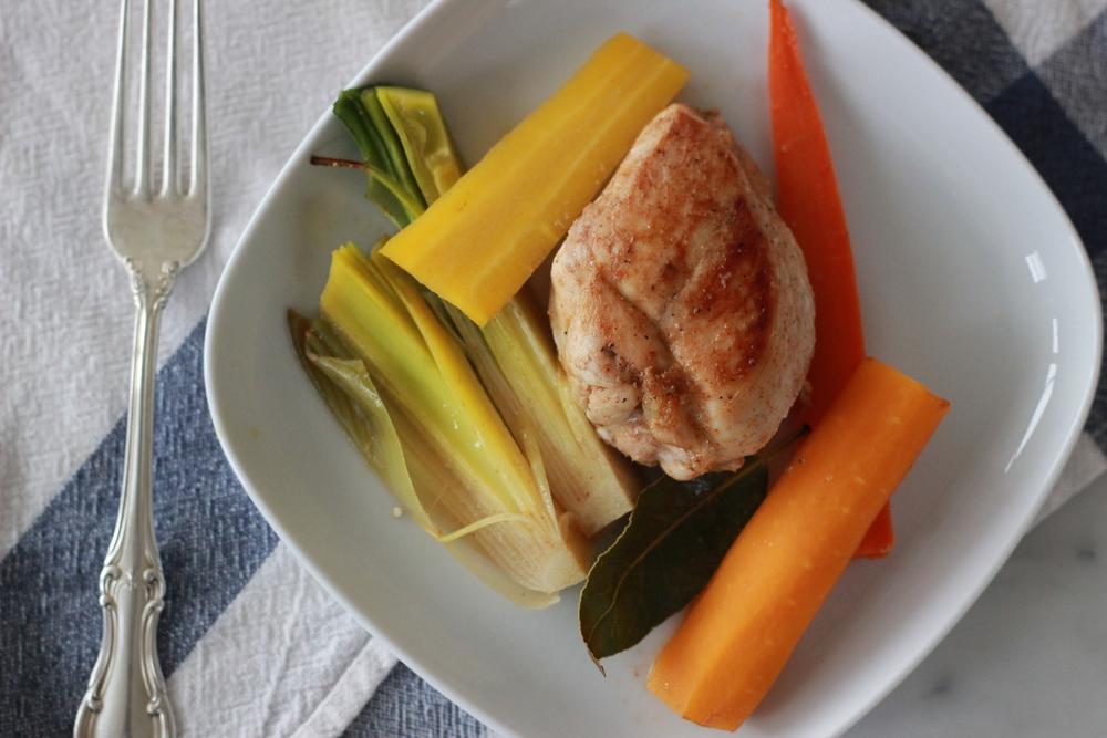 one-pot spiced chicken + roasted vegetables | half galley kitchen