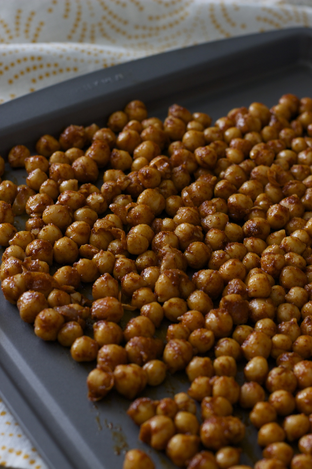 chili-lime roasted chickpeas || half galley kitchen
