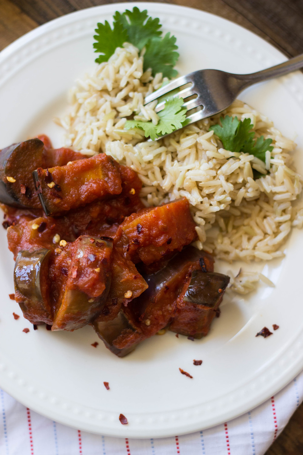 spicy tomato + eggplant curry with lime brown jasmine rice || half galley kitchen