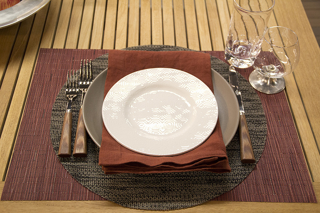 Weekly Table Setting The Return of the Apple & Weekly Table Setting: The Return of the Apple \u2014 Didriks