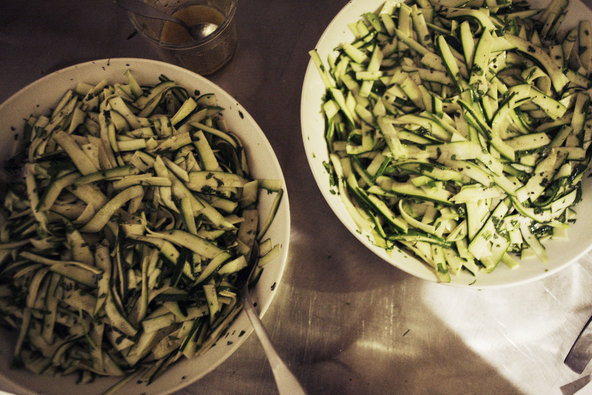 zuccini and basil salad apartmento