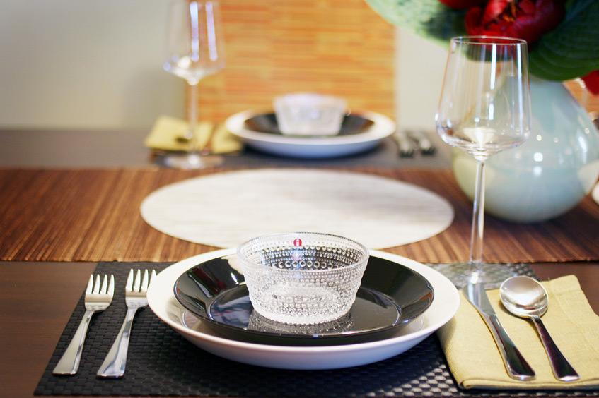 iittala setting with Teema and Kastehelmi dinnerware and Essence wine glass