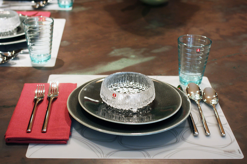 Vuelta dinnerware, Ultima Thule bowl, Aalto glass, Artik flatware, Polylin napkin