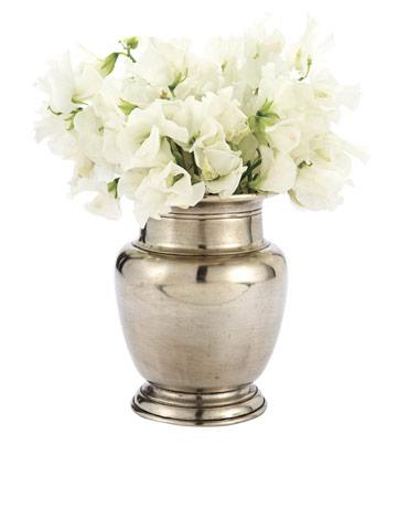 match-rimmed-vase