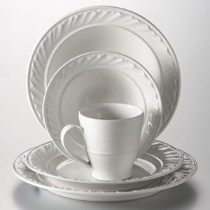 Simon Pearce Corinth Dinnerware Set
