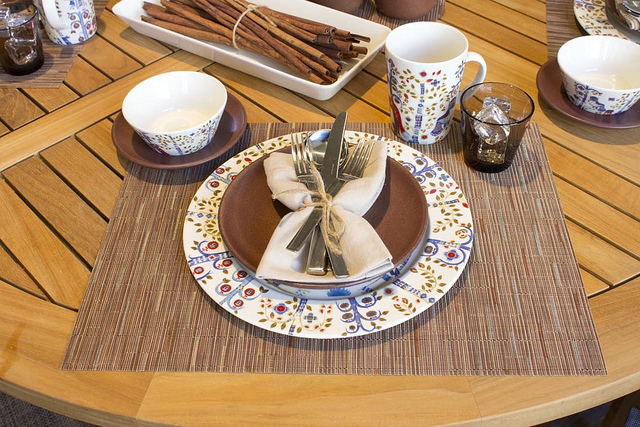 & Weekly Table Setting: Apples and Spice \u2014 Didriks