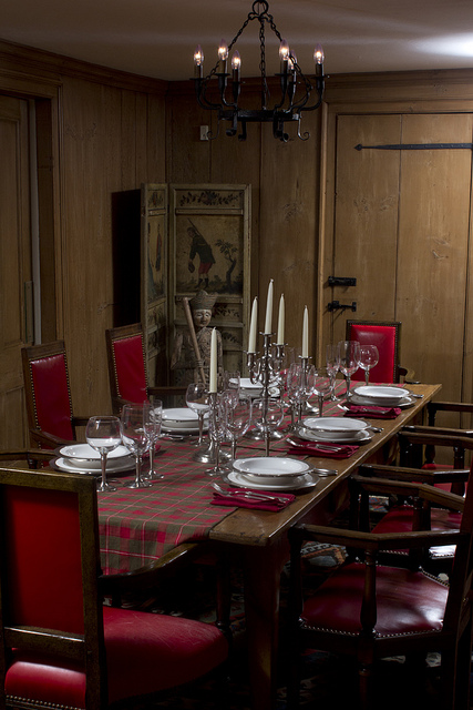 Weekly Table Setting: Red, Green and Pewter
