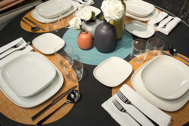 Weekly Table Setting Clean Lines And Color Didriks